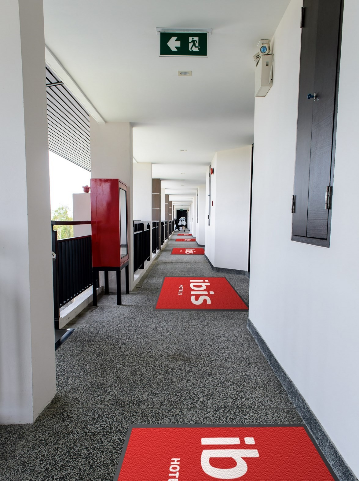 tapis de sol moquette mediama communication et impression tout support. Black Bedroom Furniture Sets. Home Design Ideas